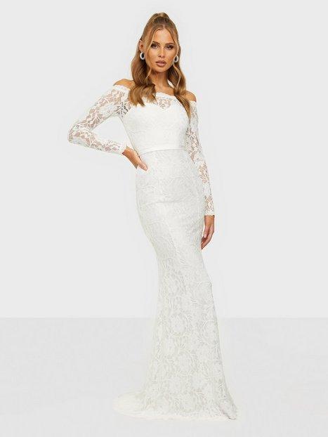 NLY Eve Say Yes Gown Tætsiddende kjoler