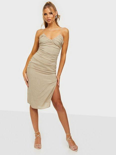 NLY Trend Be Mine Ruched Dress Tætsiddende kjoler