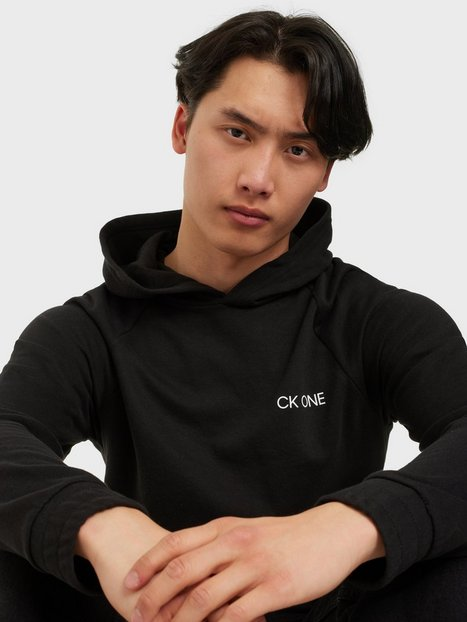 Se Calvin Klein Underwear L/S Hoodie Trøjer Black ved NLY Man