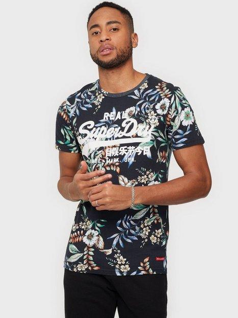 Superdry Vl Aop Tee T-shirts & undertrøjer Black