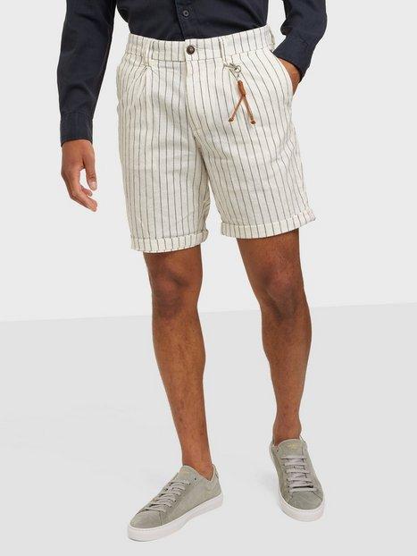 Se Jack & Jones Jjimilton Jjchino Shorts Akm Linen Shorts Ecru Pinstripe ved NLY Man