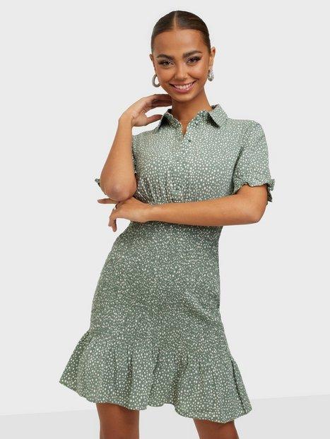 Vero Moda Vmdicthe S/S Short Smock Dress Exp Tætsiddende kjoler Laurel Wreath Snow White Dots