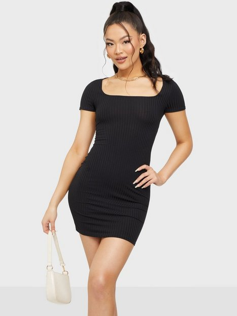 NLY One Square Neck Essential Dress Tætsiddende kjoler Sort