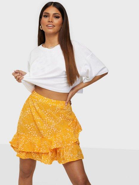 Vero Moda Vmsaga Hw Frill Skirt Wvn Ga Mini nederdele Saffron Danna