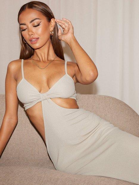 NLY Trend Cut Out Midi Dress Tætsiddende kjoler