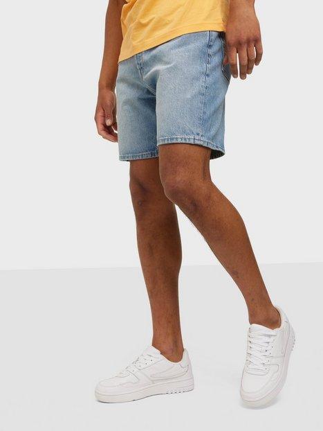 Se Selected Homme Slhcomfort-Luke 444 L. Blu Dnm Sho Shorts Light Blue Denim ved NLY Man