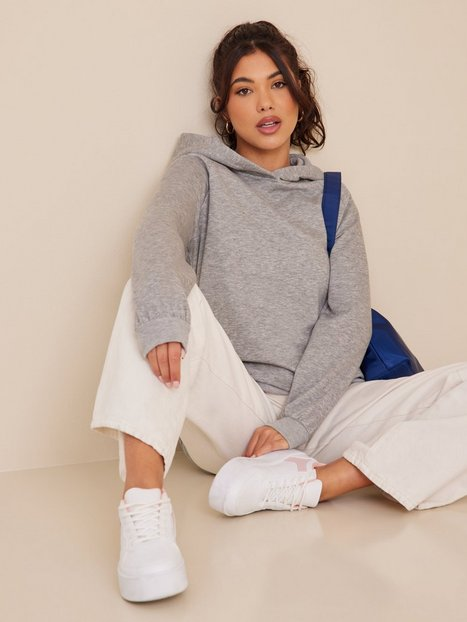 Se Noisy May Nmhelene L/S Hood Sweat Bg Noos Hoodies ved Nelly