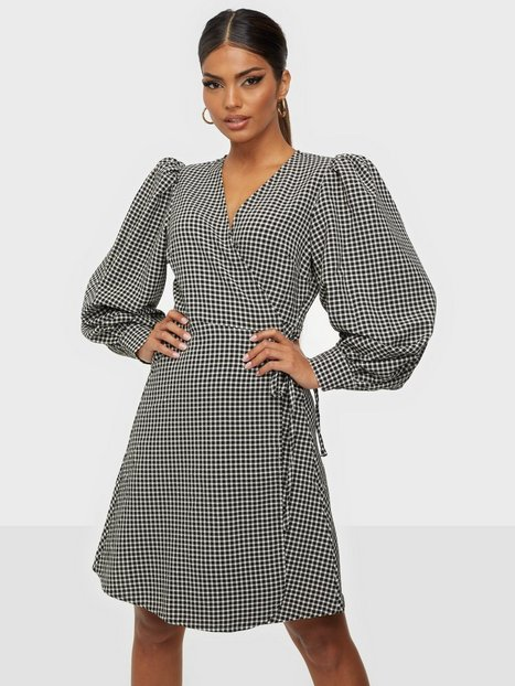 Selected Femme Slfcharlie Ls Short Wrap Dress B Loose fit dresses