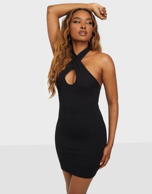 NLY One Twist Halterneck Dress Tætsiddende kjoler Sort