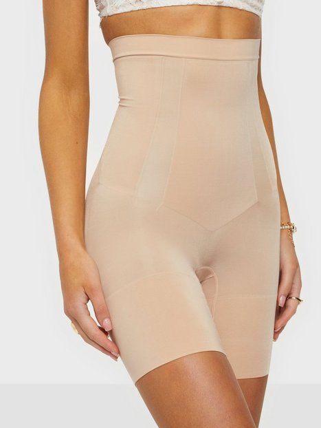 Spanx OnCore High-Waisted Mid-Thigh Short Shaping & Support