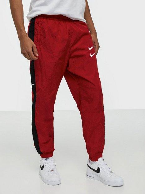 Nike Sportswear M Nsw Swoosh Pant Wvn Bukser Red mand køb billigt
