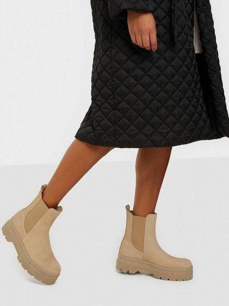Pavement Viola Nubuck Flat Boots