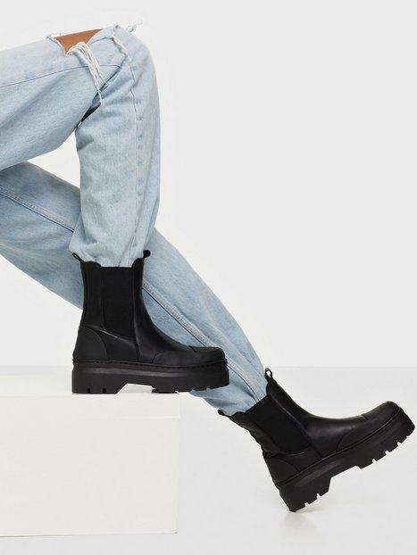 Pavement Viola Rubber Flat Boots