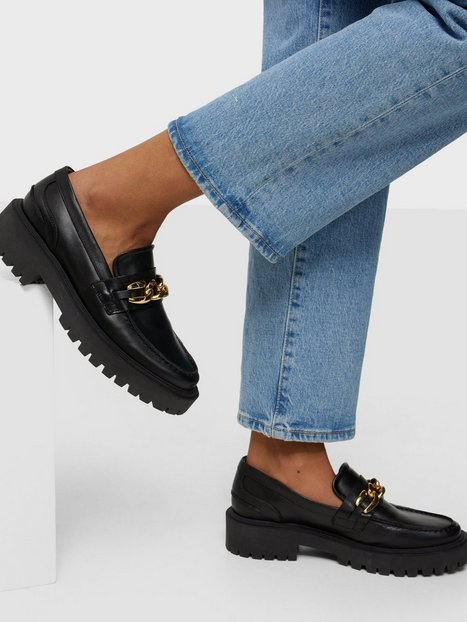 Duffy Chunky Gold Chain Leather Loafers