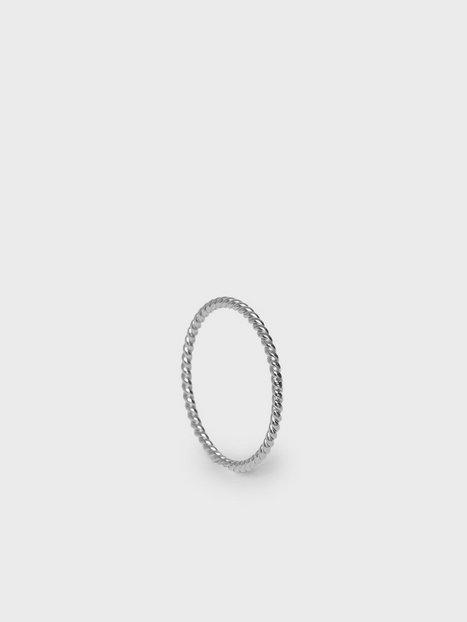 Syster P Tiny Twisted Ring Smykker Sølv