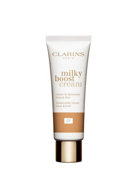 Clarins Milky Boost Cream Makeup 07