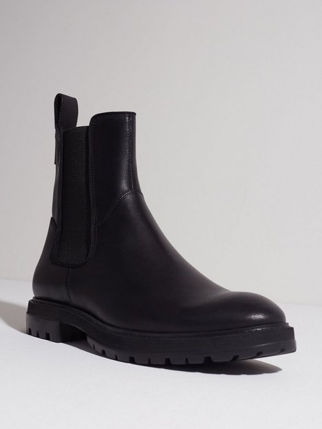 Vagabond Johnny Chelsea boots Black