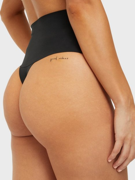 Spanx Undie-tectable® Thong Shaping & support Very Black