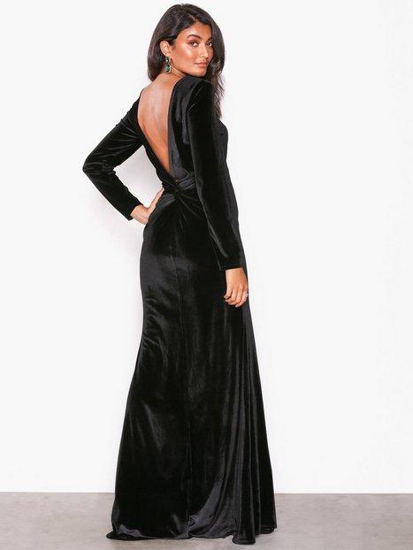 Billede af NLY Eve Twist Back Velvet Gown Maxikjoler Sort