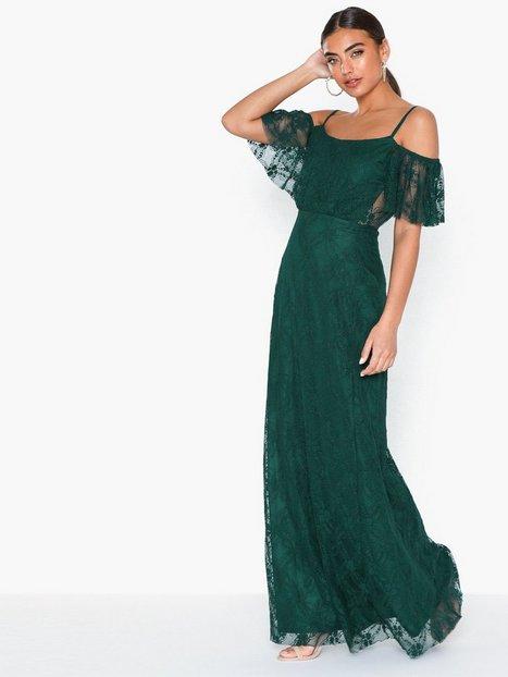 Billede af NLY Eve Dream Off Shoulder Lace Gown Loose fit Grøn