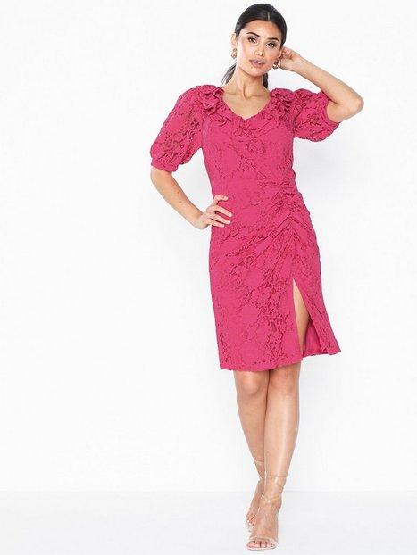 Billede af NLY Eve Frill Neck Lace Dress Tætsiddende kjoler
