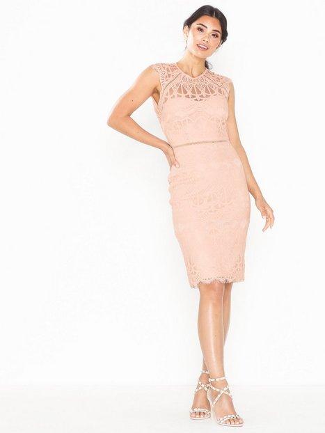 Billede af NLY Eve Cap Sleeve Midi Dress Tætsiddende kjoler