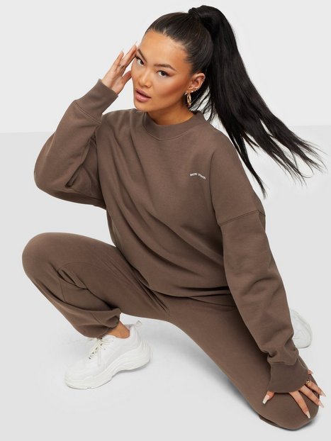 Nicki Studios Logo Collage Crewneck Sweatshirts Cocoa Brown