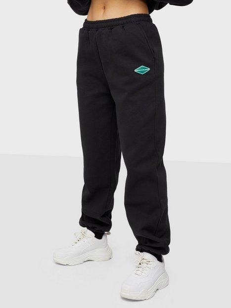 Nicki Studios Logo Collage Pants Joggingbukser Black