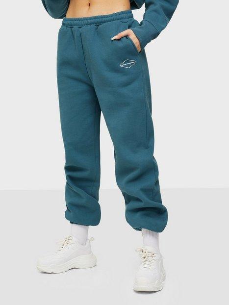 Nicki Studios Logo Collage Pants Joggingbukser Teal Blue