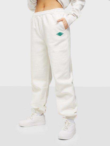 Nicki Studios Logo Collage Pants Joggingbukser Salt