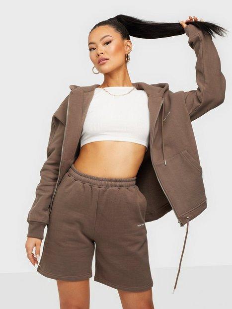 Nicki Studios Logo Collage Shorts Shorts Cocoa Brown