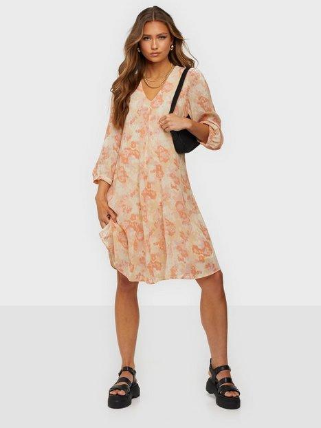MOSS COPENHAGEN Halia Rikkelie 3/4 Dress Loose fit dresses