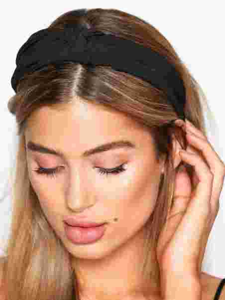 bredvid Charles Keasing böjd  Shop NLY Accessories Scarf Hairband - Black - Nelly.com