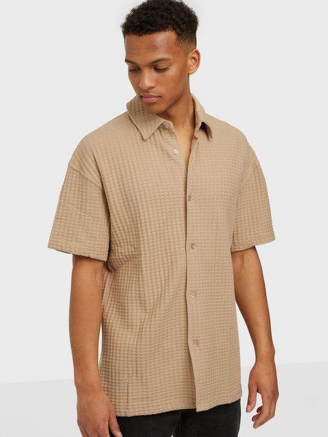 Se Samsøe Samsøe Akoko shirt 11602 Skjorter Humus ved NLY Man
