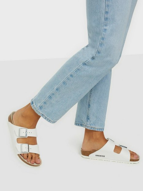 Se Birkenstock Arizona Narrow Fit Tøfler ved Nelly