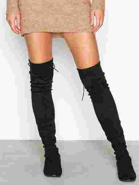 Köp NLY Shoes Flat Thigh High Boot Svart | Boots