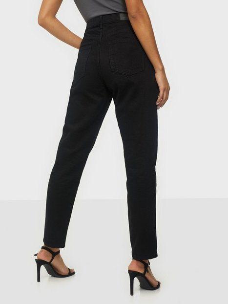 Gina Tricot Dagny Mom Jeans Slim fit Sort