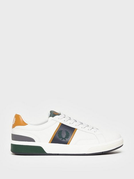 Fred Perry B200 Perf Leather Sneakers Porcelain - herre
