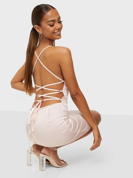 Parisian Satin Cowl Neck Tie Back Mini Dress Tætsiddende kjoler Cream