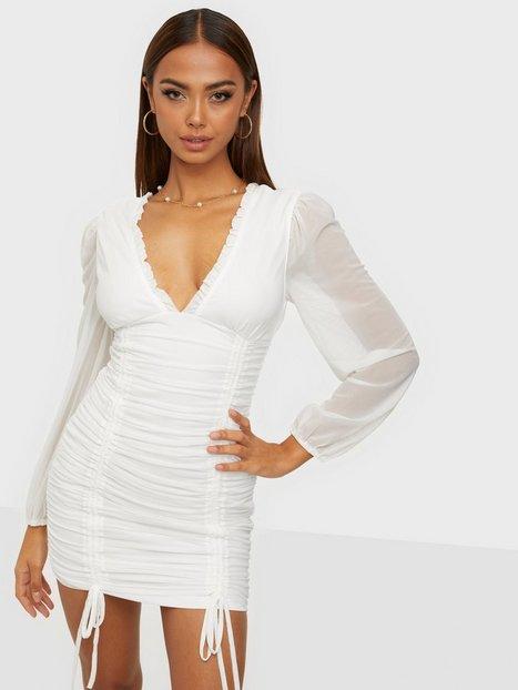 Parisian Mesh V Neck Rouched Mini Dress Tætsiddende kjoler
