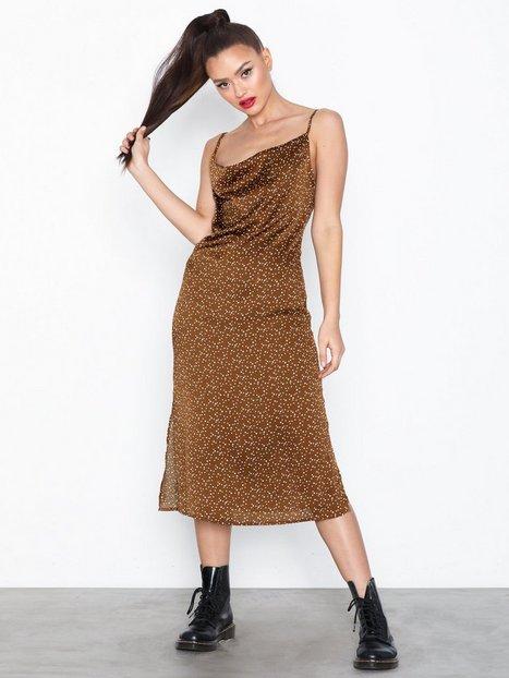 Billede af Missguided Satin Spotty Cowl Dress Loose fit