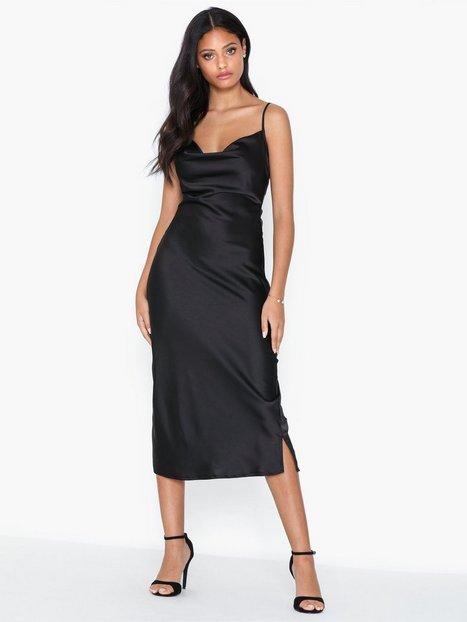 Billede af Missguided Satin Cowl Cami Midi Dress Tætsiddende kjoler