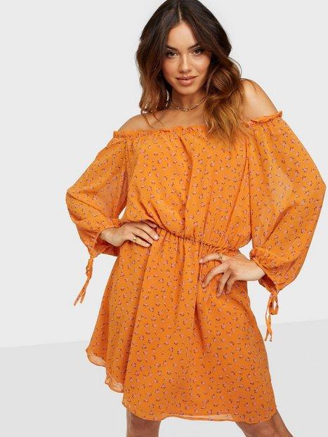 Glamorous Nelly x Glamorous Long Sleeve Chiffon Dress Skater kjoler Orange