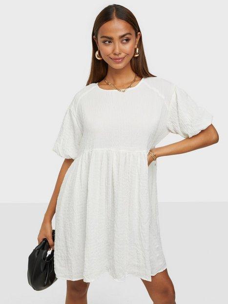 Glamorous Short Puff Sleeve Dress Loose fit dresses