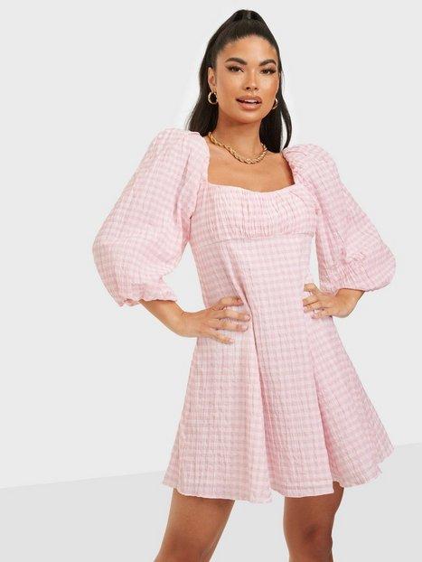 Forever New Kinsley Scoop Neck Mini Dress Skater kjoler