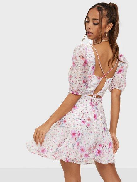 Forever New Square Neck Tie Back Detail Mini Dress Skater kjoler