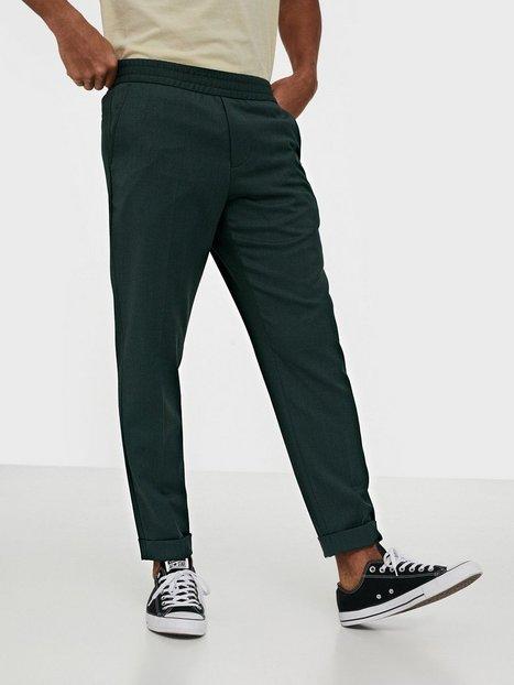 Filippa K M. Terry Cropped Trouser Bukser Dark Green - herre