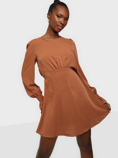Ax Paris Long Sleeve Mini Flounce Dress Langærmede kjoler