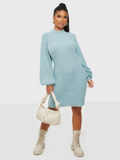 Bardot Bell Sleeve Knit Dress Langærmede kjoler