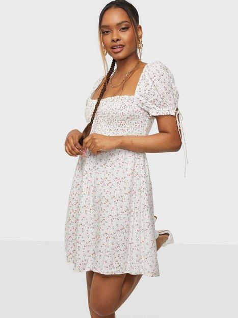 Bardot Ditsy Shirred Dress Skater kjoler